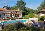 Location vacances Cézac - House with one bedroom in Bussac Foret with shared pool terrace and Wifi-1