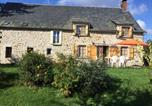 Location vacances  Cantal - Holiday home Lieudit les barrieres-1