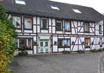 Location vacances Bromskirchen - Bright Holiday Home with Terrace in Medebach Germany-1