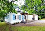 Location vacances Vresse-sur-Semois - Cozy Holiday Home in Monceau-en-Ardenne with Fenced Garden-1