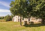 Location vacances Cercles - Charming holiday home in Aquitaine with Swimming Pool-4