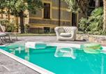 Location vacances Moltrasio - Moltrasio Villa Sleeps 17 Pool Air Con Wifi-4