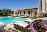 Location vacances Siracusa - Ciane Villa Sleeps 8 Pool Air Con Wifi-3