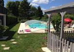 Location vacances Saint-Jean-d'Angély - Studio a Saint Jean d'Angely avec piscine privee jardin clos et Wifi a 40 km de la plage-1