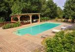 Location vacances Nébias - Grande maison calme avec vue et piscine privée-1
