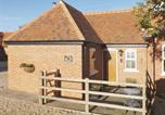 Location vacances Little Hallingbury - Walnut Cottage-1