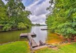 Location vacances Elberton - Charming Lakefront Escape with Deck and Private Dock!-2