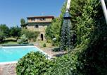 Location vacances Gaiole in Chianti - Elegant Holiday Home in Tuscany with Swimming Pool-1