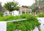 Location vacances Νέον Καρλοβάσιον - Private and quiet house near Limnionas beach-1