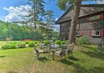 Location vacances Diamond Point - Alderbrook Lodge in Bolton with Private Lake!-1