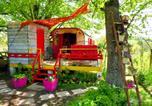 Location vacances Beaune-d'Allier - La Roulotte De Lola - Chambre d'hôtes-4