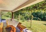 Location vacances Brod Moravice - Three-Bedroom Holiday Home in Brod na Kupi-2