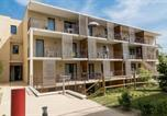 Location vacances Cinais - Two-Bedroom Apartment in Chinon-3