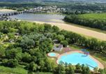 Camping avec Piscine Morannes - Camping Slow Village Loire Vallée-1