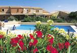 Location vacances Fleury - Holiday home Avenue des Guarrigues-1