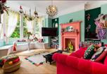 Location vacances London - Fashionably Fabulous Designer Apartment Luxe with Private Roof Terrace 24h Transport Zone 2 Greater London-2