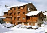 Location vacances  Isère - Appartements Alpina Lodge-1