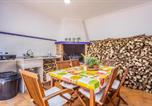 Location vacances Chiva - Stunning home in Godelleta with Wifi and 6 Bedrooms-2