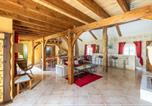 Location vacances Le Pizou - Villa with 4 bedrooms in Saintmearddegurcon with private pool enclosed garden and Wifi-3
