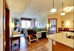 Location vacances Invermere - Instant Suites 2 Br Penthouse with Mt Views and Hot Tub-2