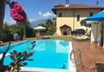 Location vacances  Province de Biella - Apartment with 2 bedrooms in Valdengo with shared pool enclosed garden and Wifi-1
