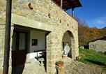 Location vacances  Province de Pistoia - Peaceful Holiday Home with Pool in San Marcello Pistoiese-3