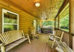 Location vacances Bryson City - 2br Bryson City Cabin on Creek w/ Deck & Hot Tub!-2