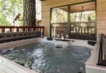 Location vacances Ruidoso - Sleepy Hollow on the River, 3 Bedrooms, Sleeps 8, Hot Tub, Foosball-4