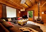 Location vacances Érezée - Cozy Chalet in Ardennes with Fenced Garden and covered terrace!-2
