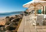 Location vacances Oak View - New Listing! Beachfront Dream With Private Balcony Home-1