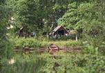 Camping  Acceptant les animaux Eure-et-Loir - Village Huttopia Senonches-2
