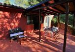 Location vacances  Province de Teramo - Cosy Cottage in Colonnella with Pool-2