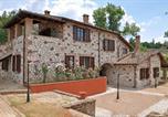 Location vacances  Province de Terni - Otricoli Apartment Sleeps 4 T241781-1