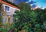Location vacances Gradac - Holiday Home Drvenik with Sea View 06-3