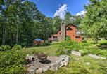 Location vacances Plymouth - Elegant White Mountain Escape with Large Deck-2