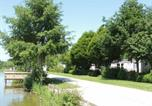 Location vacances  Mayenne - Chalet Saint-Denis-du-Maine, 4 pièces, 6 personnes - Fr-1-600-155-2