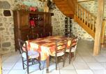 Location vacances Arches - House with 2 bedrooms in Lanobre with enclosed garden and Wifi-3