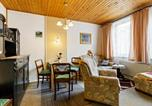 Location vacances Oberhof - Winsome Holiday Home with Terrace,Garden,Bicycle Storage,Bbq-1