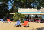 Camping avec Piscine couverte / chauffée Essonne - Héliomonde-3
