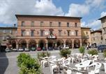 Location vacances Belforte all'Isauro - Apartment Via Dante Alighieri-1