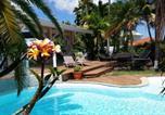Location vacances  Guadeloupe - Villa Piscine et Iguanes en bord de mer proche plages marina et golf-3