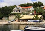 Location vacances Lumbarda - Apartments by the sea Lumbarda, Korcula - 576-1