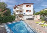 Location vacances Pula - Eight-Bedroom Holiday Home in Pula-1