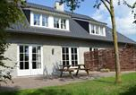 Location vacances Sint-Oedenrode - Magnificent Holiday Home in Haaren with Terrace-2