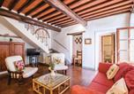 Location vacances Castellina in Chianti - Beautiful apartment in Castellina in Chianti w/ Wifi, 2 Bedrooms and Outdoor swimming pool-3