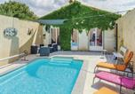 Location vacances Azille - Four-Bedroom Holiday Home in La Redorte-1