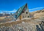 Location vacances Livingston - Unique Cabin with Indoor Pool and Mountain Views!-2