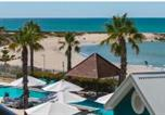Location vacances Mandurah - An Ocean,Beach and Pool View Apartment - Apt 210 Seashells Resort-1
