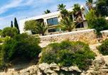 Location vacances Es Castell - Splendide Villa les pieds dans l'eau dans la baie de Mahon-1