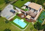 Location vacances Apiro - Villa with 2 bedrooms in Castelplanio with wonderful mountain view private pool enclosed garden 30 km from the beach-3